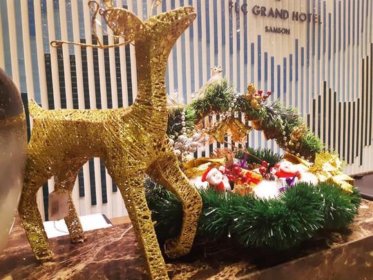 Đón năm mới hoành tráng và độc đáo tại resort 5 sao của Tập đoàn FLC - Ảnh 2.