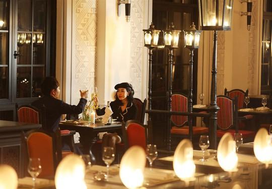 Ngắm khách sạn của kiến trúc sư  nổi tiếng thế giới Bill Bensley tại Sa pa - Ảnh 14.