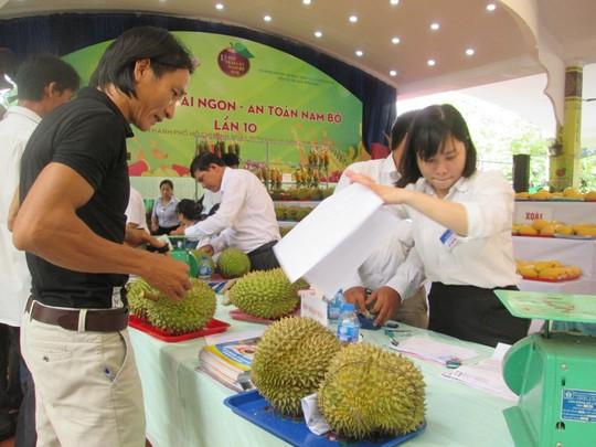 Tin vui: Sầu riêng và khoai lang được xuất khẩu sang Trung Quốc