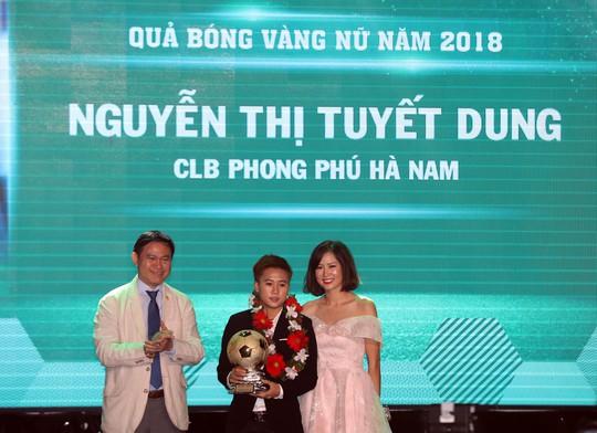 Quang Hải nhận Quả bóng vàng trong hạnh phúc - Ảnh 8.