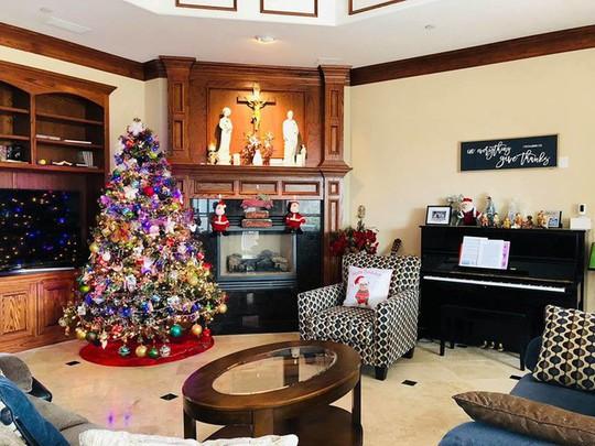 Cùng ngắm các Sao Việt trang trí nhà đón Noel đầy màu sắc - Ảnh 17.