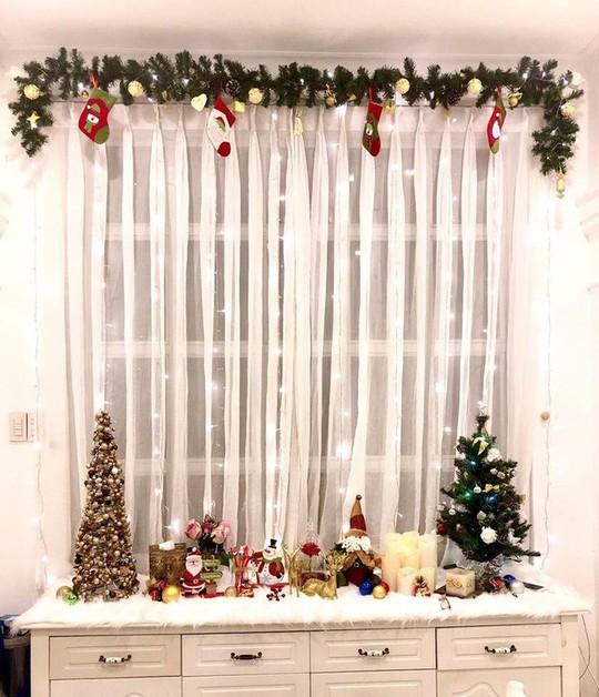 Cùng ngắm các Sao Việt trang trí nhà đón Noel đầy màu sắc - Ảnh 19.