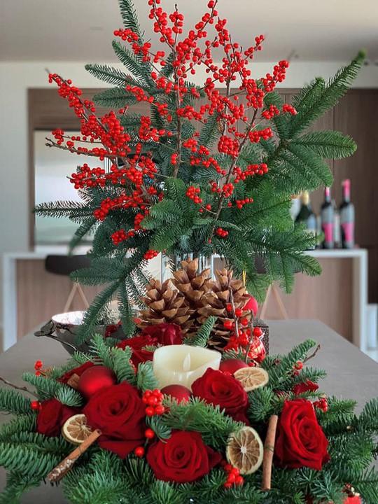 Cùng ngắm các Sao Việt trang trí nhà đón Noel đầy màu sắc - Ảnh 3.