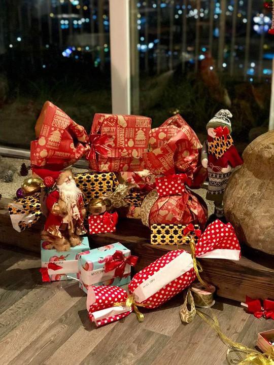Cùng ngắm các Sao Việt trang trí nhà đón Noel đầy màu sắc - Ảnh 9.