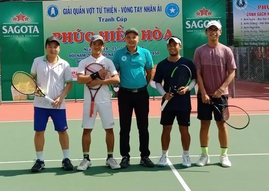 242 tay vợt tham gia giải đấu từ thiện mùa Giáng sinh 2018 - Ảnh 4.