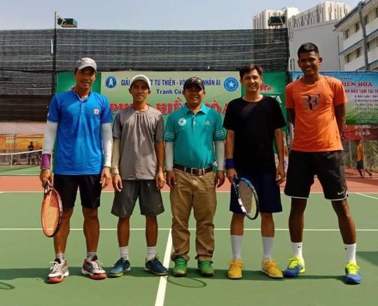 242 tay vợt tham gia giải đấu từ thiện mùa Giáng sinh 2018 - Ảnh 3.