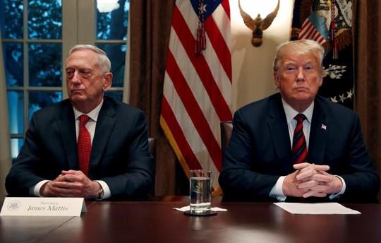 """Tức giận vì thư từ chức, ông Trump cho ông Mattis """"ra đi sớm"""" - Ảnh 1."""