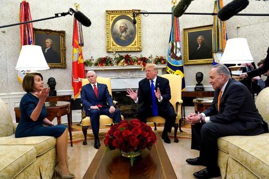 Ông Trump nhượng bộ, hạ giá tiền xây tường biên giới? - Ảnh 1.