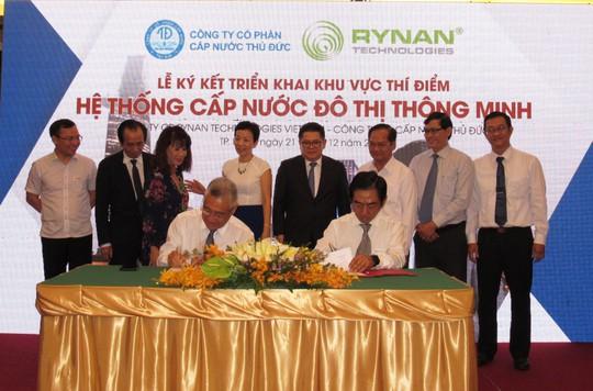 Sawaco ký kết triển khai khu vực thí điểm hệ thống cấp nước đô thị thông minh - Ảnh 1.
