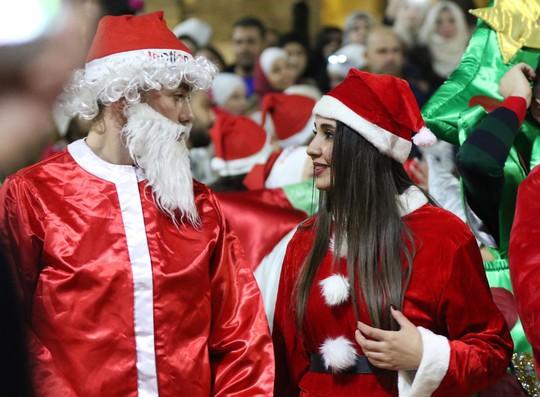 Cận cảnh Giáng sinh rộn ràng khắp thế giới - Ảnh 10.