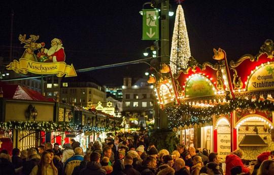 Cận cảnh Giáng sinh rộn ràng khắp thế giới - Ảnh 16.