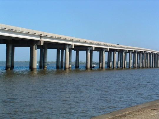 10 cây cầu giữ các kỷ lục của thế giới - Ảnh 3.