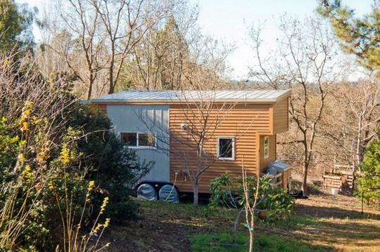 Độc đáo nhà trên xe dùng điện mặt trời đầy đủ tiện nghi - Ảnh 3.