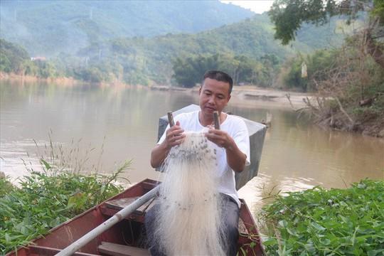 Cá chình, lăng cực khủng ở thượng nguồn sông Lam - Ảnh 3.