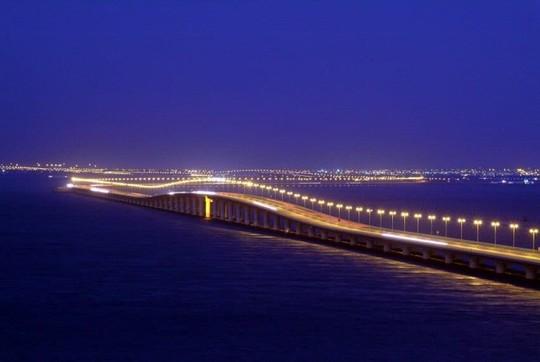 10 cây cầu giữ các kỷ lục của thế giới - Ảnh 4.