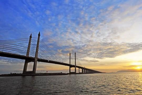 10 cây cầu giữ các kỷ lục của thế giới - Ảnh 7.