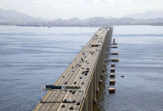 10 cây cầu giữ các kỷ lục của thế giới - Ảnh 8.