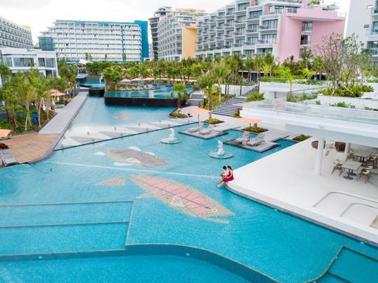 Đặt phòng khách sạn 5 sao ở Bãi Kem chỉ từ 1,8 triệu đồng - Ảnh 2.
