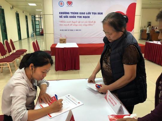 Báo động con số gần 50% người trên 25 tuổi ở Việt Nam bị tăng huyết áp - Ảnh 2.