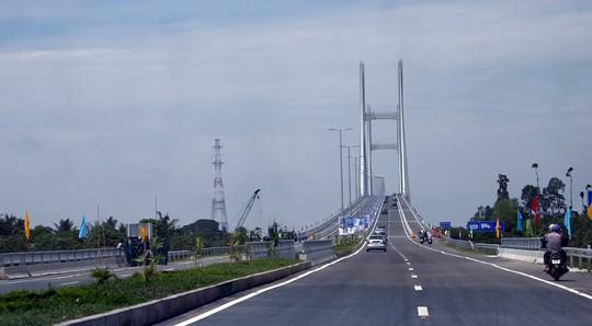"""""""Điểm đen"""" tai nạn giao thông ở cầu Cao Lãnh - Ảnh 1."""