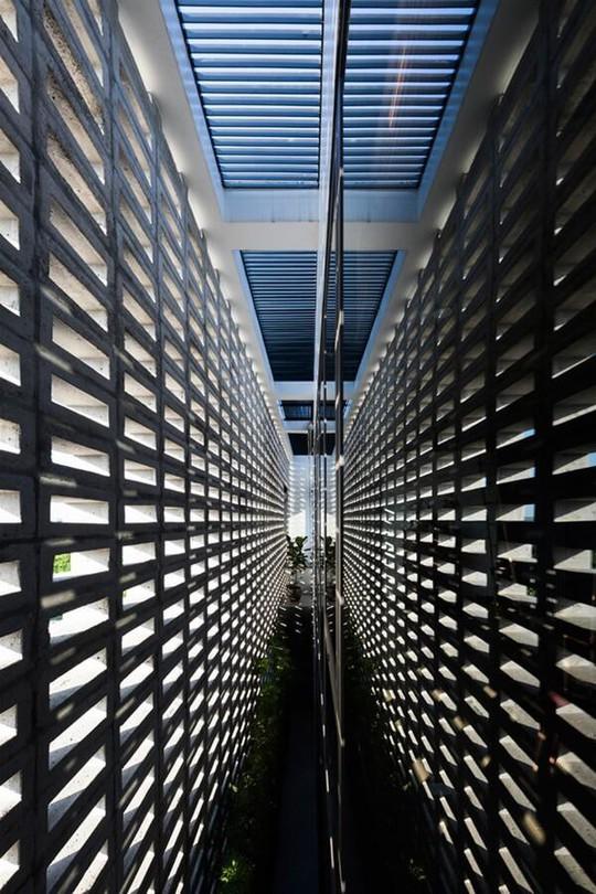 Căn nhà toàn lỗ ở Hưng Yên đẹp ấn tượng trên báo Mỹ - Ảnh 13.