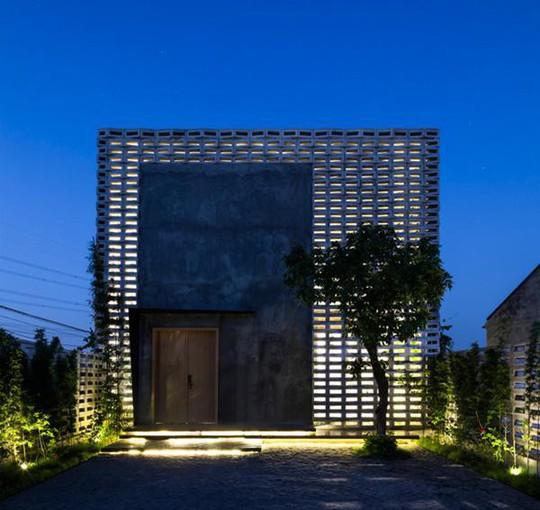Căn nhà toàn lỗ ở Hưng Yên đẹp ấn tượng trên báo Mỹ - Ảnh 3.