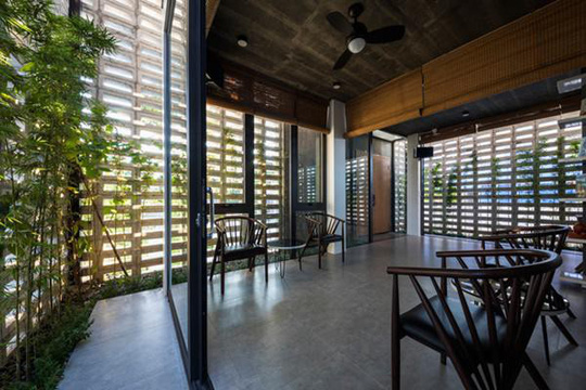 Căn nhà toàn lỗ ở Hưng Yên đẹp ấn tượng trên báo Mỹ - Ảnh 10.