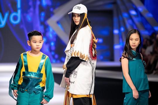 Hoa hậu Trái đất 2018 Phương Khánh lần đầu diễn thời trang - Ảnh 3.