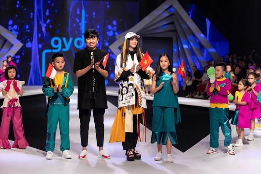 Hoa hậu Trái đất 2018 Phương Khánh lần đầu diễn thời trang - Ảnh 5.