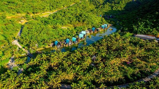 Điểm danh những công trình du lịch ấn tượng tại Việt Nam - Ảnh 2.