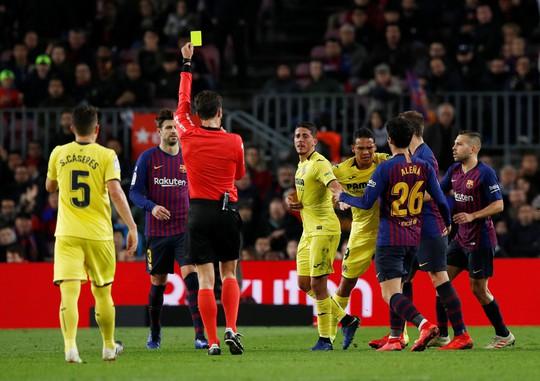 Nhấn chìm Tàu ngầm vàng, Barcelona tái chiếm ngôi đầu La Liga - ảnh 1