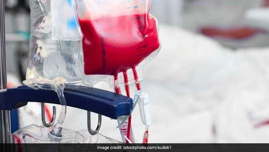 Tự tử vì truyền máu nhiễm HIV cho phụ nữ mang thai - Ảnh 1.