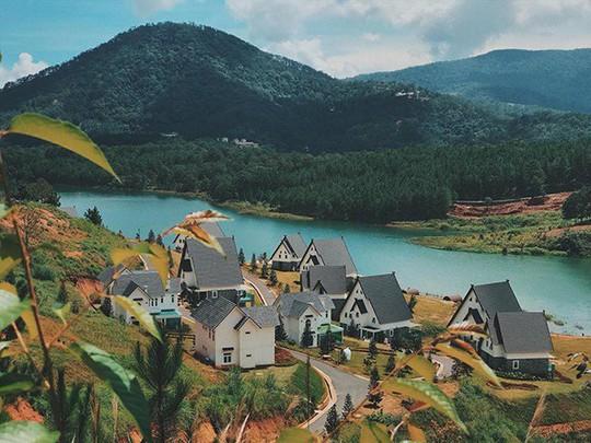 Đà Lạt vừa có ngôi làng thu nhỏ châu Âu - Ảnh 2.