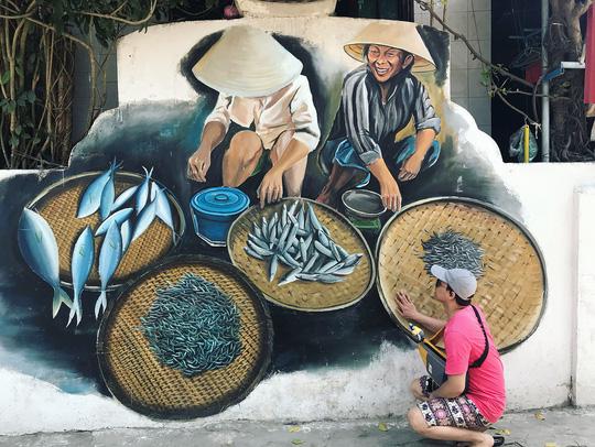 Ngôi làng bích họa đẹp mộng mơ ở Quảng Bình - Ảnh 5.