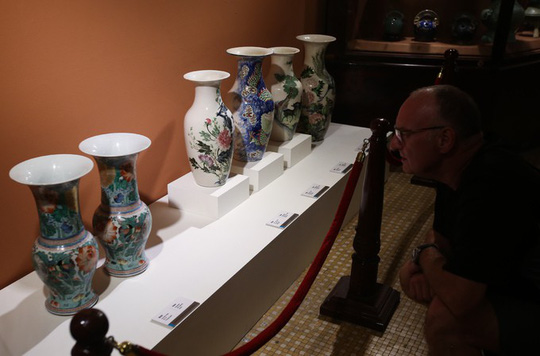 Hơn 100 cổ vật độc lạ được trưng bày ở TP HCM - Ảnh 3.