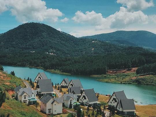 Đà Lạt vừa có ngôi làng thu nhỏ châu Âu - Ảnh 3.