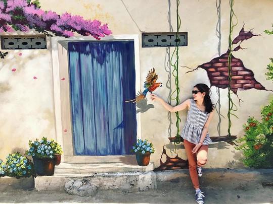 Ngôi làng bích họa đẹp mộng mơ ở Quảng Bình - Ảnh 9.