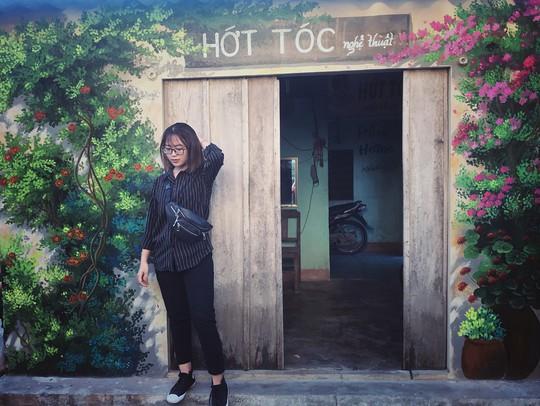 Ngôi làng bích họa đẹp mộng mơ ở Quảng Bình - Ảnh 3.
