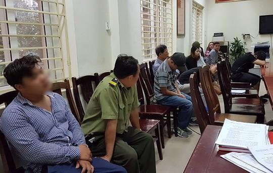Sếp nhân viên bảo vệ thuộc VFF bị bắt quả tang bán vé trận Việt Nam-Philippines nói gì? - Ảnh 1.