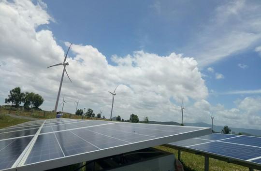 Năng lượng tái tạo giúp giảm thiếu điện miền Nam - Ảnh 2.