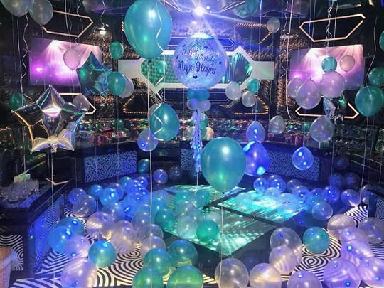 Đột kích quán karaoke Luxury, phát hiện 200 người sử dụng ma túy - Ảnh 4.