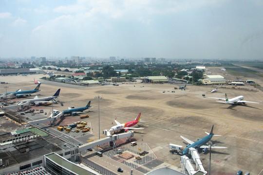 Áp dụng tiêu chuẩn mới, giảm ách tắc vùng trời sân bay Tân Sơn Nhất - Ảnh 1.