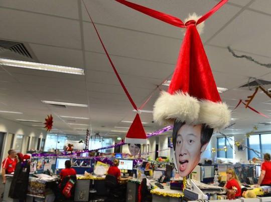 Gợi ý trang trí Noel cho văn phòng công ty đẹp và ấn tượng nhất - Ảnh 10.