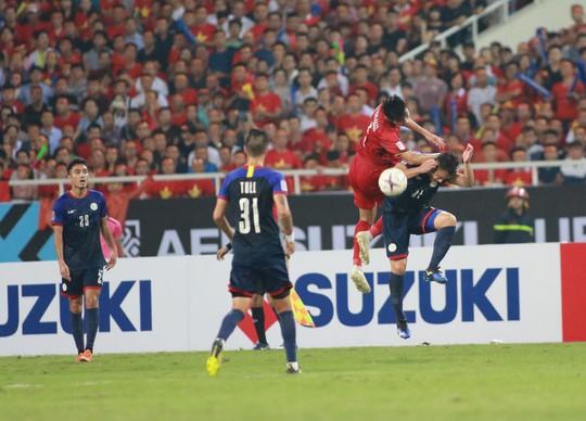 Clip: Thắng Philippines 4-2, Việt Nam vào chung kết AFF Cup 2018 - Ảnh 8.