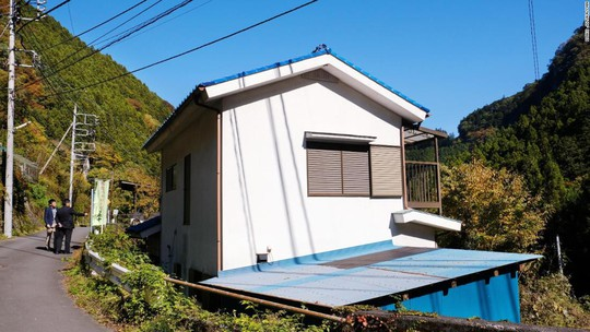 """Ám ảnh những ngôi nhà """"ma"""" ở Nhật Bản - Ảnh 2."""