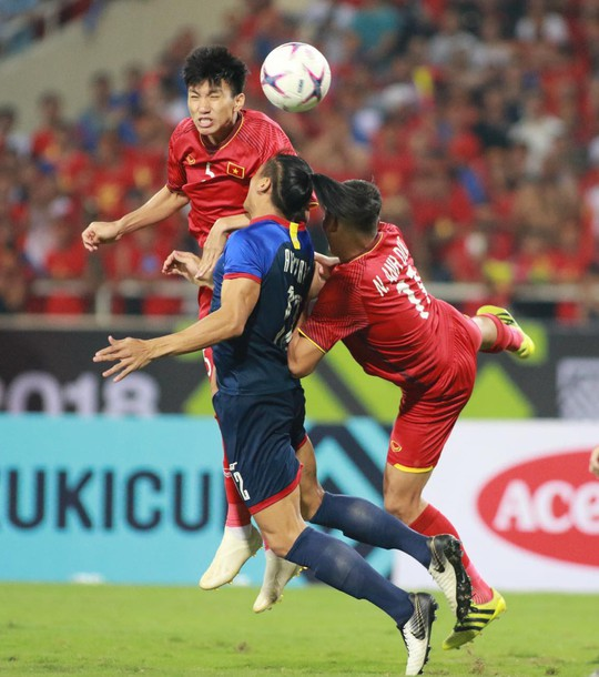 Clip: Thắng Philippines 4-2, Việt Nam vào chung kết AFF Cup 2018 - Ảnh 12.