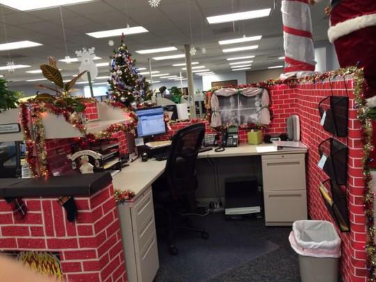 Gợi ý trang trí Noel cho văn phòng công ty đẹp và ấn tượng nhất - Ảnh 9.