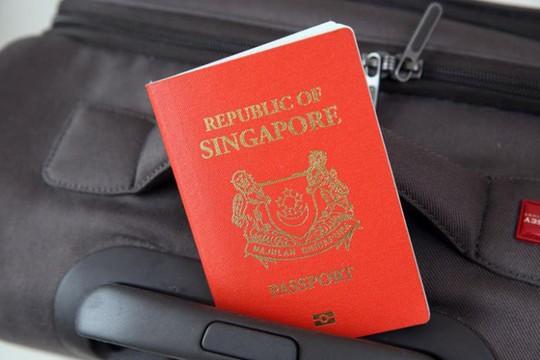 Vượt Singapore, hộ chiếu UAE trở nên quyền lực nhất thế giới - Ảnh 1.