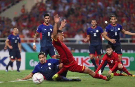 Clip: Thắng Philippines 4-2, Việt Nam vào chung kết AFF Cup 2018 - Ảnh 6.
