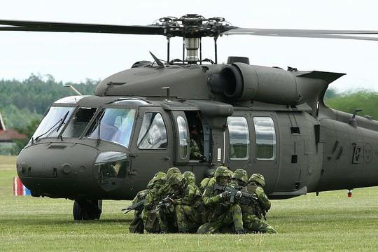 Giá đắt hơn, Philippines vẫn mua trực thăng của Mỹ thay vì của Nga - Ảnh 1.